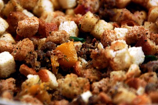 Simple Friends and Family Thanksgiving Stuffing